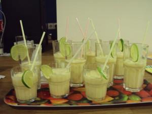 Köstliches kühles Mango-Lassi