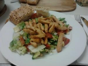 Hähnchenbrust-Salat mit iranischem Brot