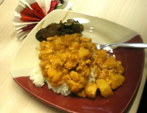 Massaman Curry mit Reisweinessig-Gemüse